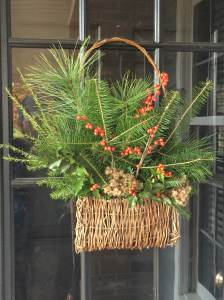 Hanging Pocket Basket